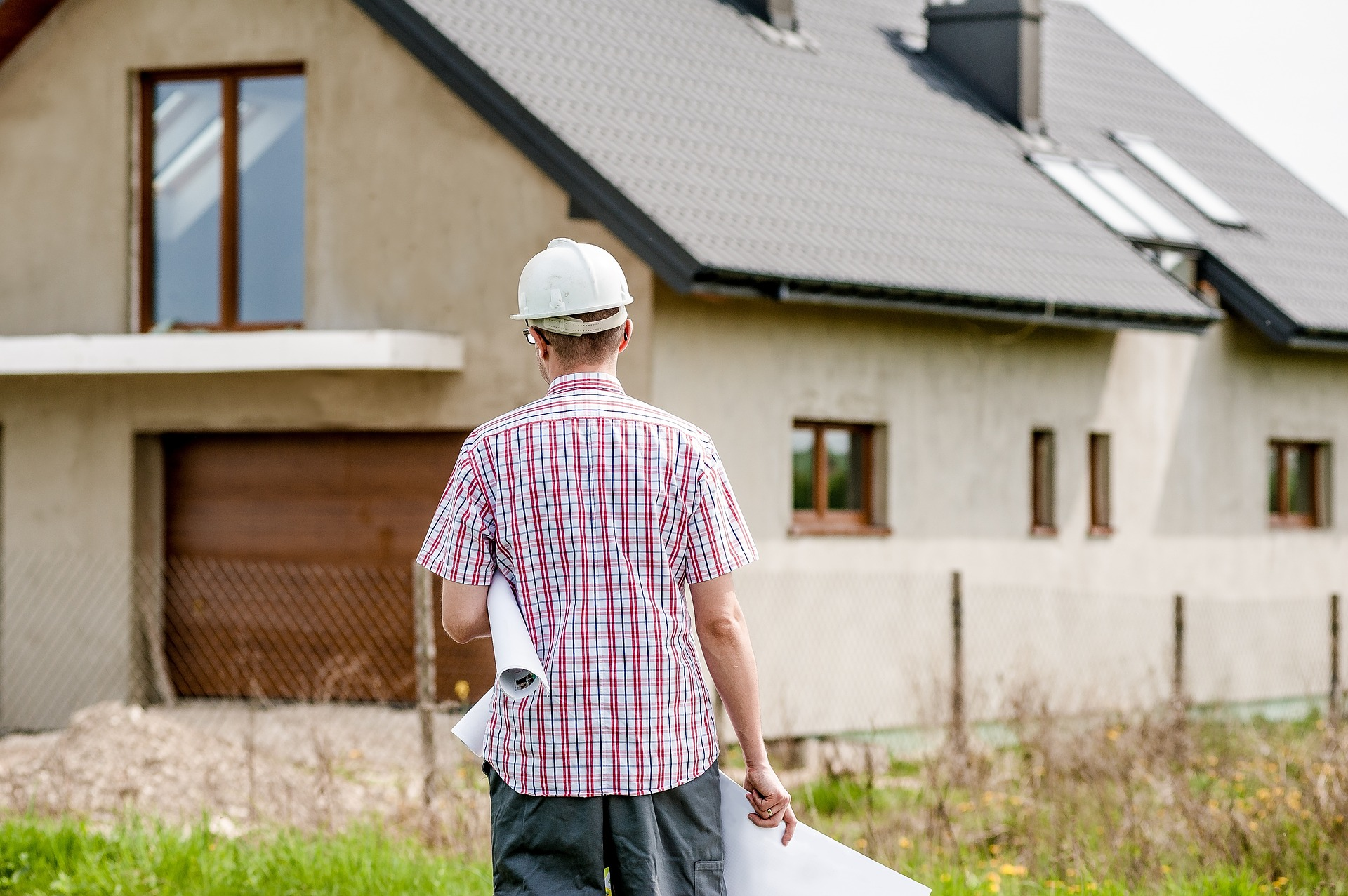 Building-Or-Buying-Your-House